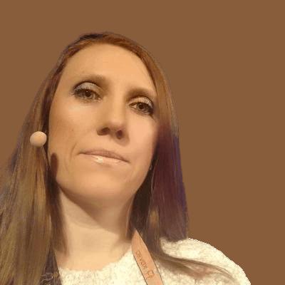 Corina Pip headshot